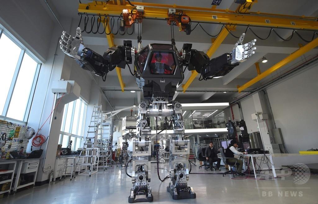 韓国の二足歩行する人型有人ロボット「メソッド2」 だが……