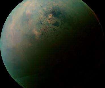 土星の衛星タイタンに異質な生命が存在するかも?