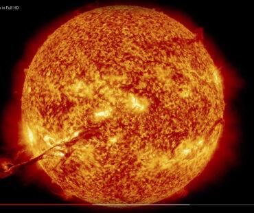 大規模な太陽嵐でハイテク社会は崩壊する